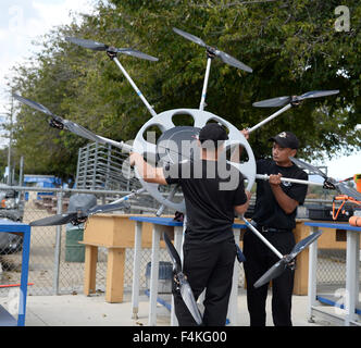Van Nuys. 19th Oct, 2015. CA/US. Ralph Rebaya of HELIWATCH with their mega drone works on a video shoot Monday.Today - Stock Photo