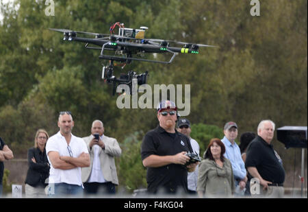 Van Nuys. 19th Oct, 2015. CA/US. Video drone camera operators of Aerial MOB cinematography work on a video shoot - Stock Photo