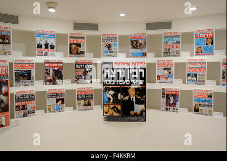 A collection of Yedioth Ahronoth Israeli daily newspaper front pages depicting the events following Rabin assassination - Stock Photo