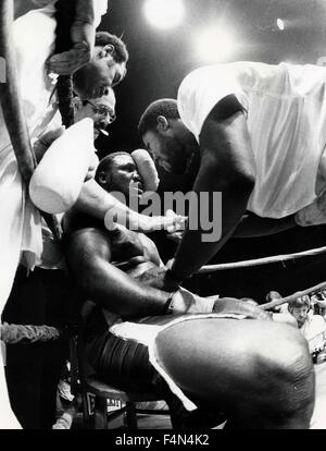 Joe Frazier in a boxing match, USA - Stock Photo