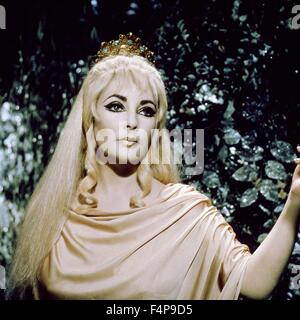 Elizabeth Taylor / Doctor Faustus 1967 directed by Richard Burton, Nevill Coghill - Stock Photo