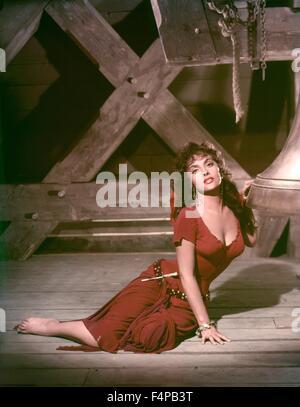 Gina Lollobrigida / Notre-Dame De Paris 1956 directed by Jean Delannoy - Stock Photo
