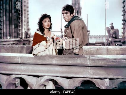 Gina Lollobrigida, Anthony Quinn / Notre-Dame De Paris 1956 directed by Jean Delannoy - Stock Photo