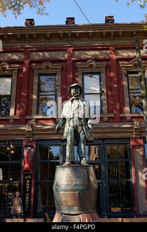 Captain John Gassy Jack Deighton statue in Maple Tree Square, Gastown, Vancouver, BC, Canada - Stock Photo