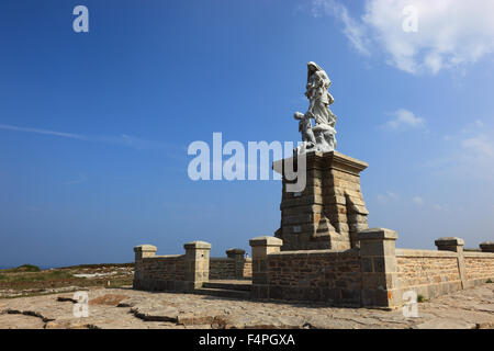 France, Brittany, Cap Sizun, Monument, Notre Dame des Naufrages, memorial to WW2 at Pointe du Raz - Stock Photo
