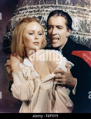 Christopher Lee and Veronica Carlson, Dracula Has Risen From the Grave  1968 directed by Freddie Francis, Hammer - Stock Photo