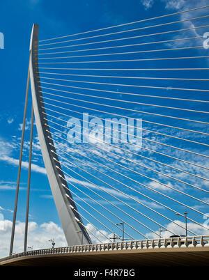 Assut de l Or Bridge, City of Arts and Sciences, (Ciudad de las Artes y las Ciencias), Valencia, Spain. - Stock Photo