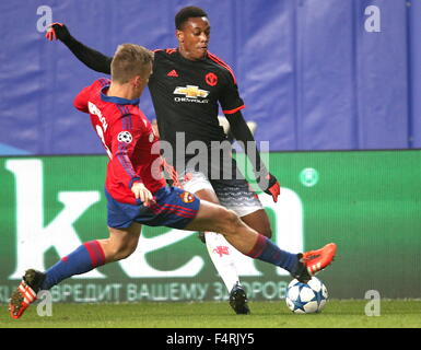 Moscow Region, Russia. 21st Oct, 2015. CSKA Moscow's Pontus Wernbloom (front) and Manchester United's Anthony Martial - Stock Photo