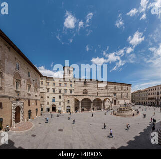 Italy, Europe, Perugia, Umbria, Piazza IV Novembre, Cattedrale di San Lorenzo, cathedral, village, spring, people, - Stock Photo