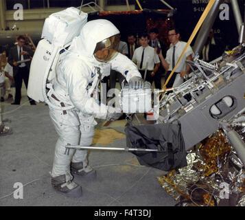 neil armstrong astronaut program - photo #21