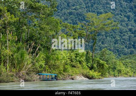 South America, Latin America, Peru, Manu National Park, Madre de Dios river in Manu National Park - Stock Photo