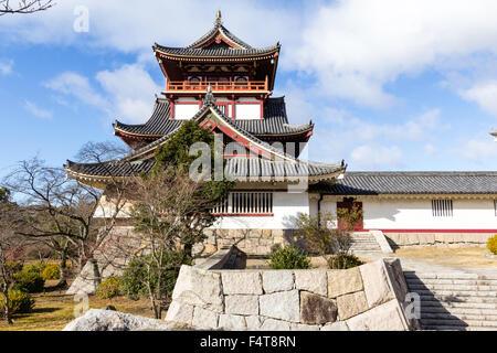 Japan, Kyoto, Fushimi castle, also known as Momoyama castle. Built as a Castle Entertainment Park in 1964. Yagura, - Stock Photo