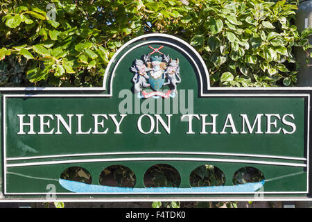 England, Oxfordshire, Henley-on-Thames, Town Sign - Stock Photo