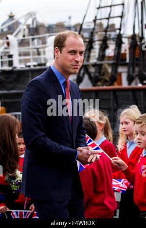 Dundee, Tayside, Scotland, UK, 23rd October 2015. Duke and Duchess of Cambridge visit to Dundee. Prince William - Stock Photo