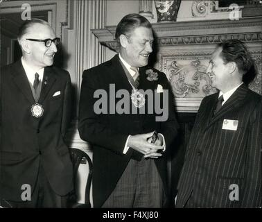 1972 - Lord Mayor of London receives Mayors of twin cities: The Lord Mayor of London, Sir Peter Studd, today received - Stock Photo