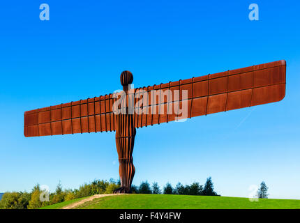 The Angel of the North sculpture by Antony Gormley, Gateshead, Tyne and Wear, North East England, UK - Stock Photo