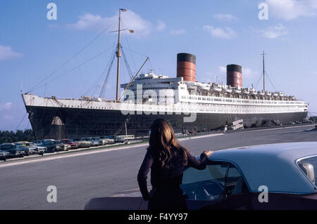 Once the world's largest passenger ship, RMS Queen Elizabeth is docked in 1971 at Port Everglades, Florida, USA, - Stock Photo