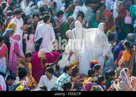 Thousands of Jain pilgrims are visiting Shatrunjaya hill, one of the major pilgrim sites for Jains, at the day of - Stock Photo