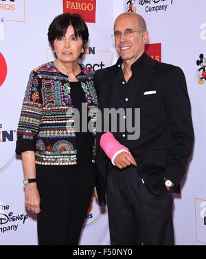 Beverly Hills, California, USA. 23rd Oct, 2015. Jeffrey Katzenberg & Marilyn Katzenberg arrives for the GLSEN Awards - Stock Photo