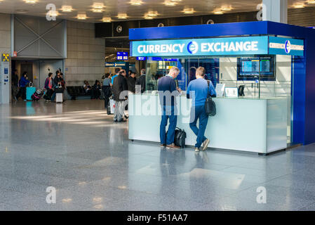 International Currency Exchange Counter At Terminal 2 In Dublin Stock Photo 72033917 Alamy
