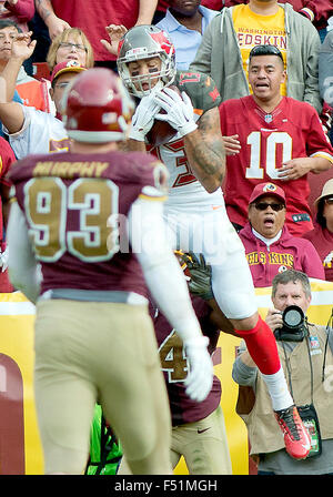 Landover, Maryland, USA. 25th Oct, 2015. Tampa Bay Buccaneers wide receiver Mike Evans (13) makes a catch late in - Stock Photo