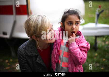 Gelsenkirchen, Germany. 26th Oct, 2015. Christina Kampmann (SPD, l.), Family Minister of North Rhine-Westphalia, - Stock Photo