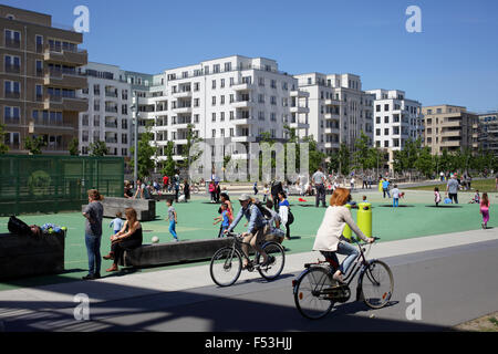24.05.2015, Berlin, Berlin, Germany - Children playing and housing starts at the park at Gleisdreieck in Berlin - Stock Photo