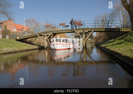 06.04.2015, Friedrichstadt, Schleswig-Holstein, Germany - Canal Cruise with the MS Carl Foth on the central moat, - Stock Photo