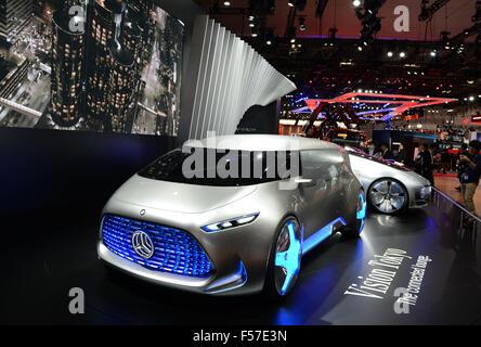 https://l450v.alamy.com/450v/f57e3n/tokyo-japan-29th-oct-2015-mercedes-benz-vision-tokyo-concept-car-is-f57e3n.jpg