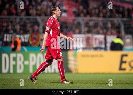 Cologne, Germany. 28th Oct, 2015. Koeln's Markus Brezenska leaves the field after a second yellow card during the - Stock Photo
