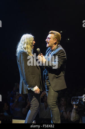 London, UK. 29th October, 2015.  U2 with guest Patti Smith at London O2 on the Innocence and Experience tour Credit: - Stock Photo