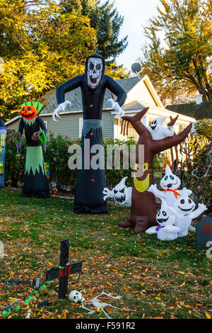 ... Getting Ready For Halloween, Prosser WA USA   Stock Photo