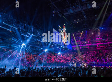 London, UK. 29th October, 2015. U2 at London O2 on the Innocence and Experience tour Credit:  david pearson/Alamy - Stock Photo