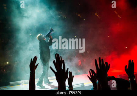 London, UK. 29th October, 2015. Bono from U2 at London O2 on the Innocence and Experience tour Credit:  david pearson/Alamy - Stock Photo