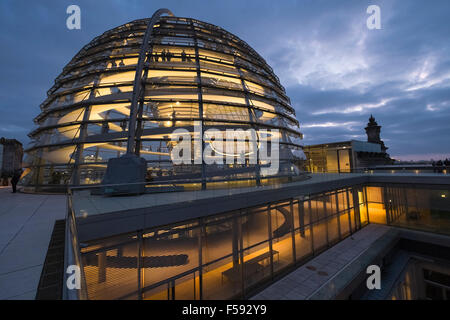 ... Modern architecture of glass dome structure at twilight, Reichstag roof  terrace, Berlin, Germany