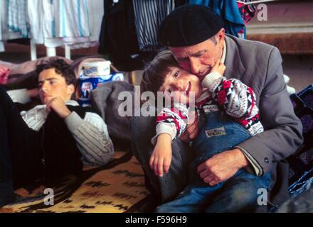 war in ex Yugoslavia, Kosovo crisis, Kosovar  refugees camp in Korcia (Albania), april 1999 - Stock Photo