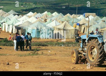 war in ex Yugoslavia, Kosovo crisis, Kosovar  refugees camp in Kukes (Albania), april 1999 - Stock Photo