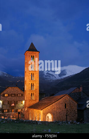 Church of Santa Eulalia in Erill la Vall at dusk, in the Boi Valley, Lleida province, Catalonia, Spain. - Stock Photo