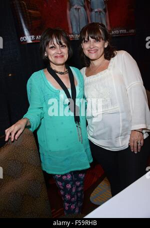 Orlando, FL, USA. 30th Oct, 2015. Lisa Burns, Louise Burns in attendance for Spooky Empire Ultimate Halloween Weekend - Stock Photo