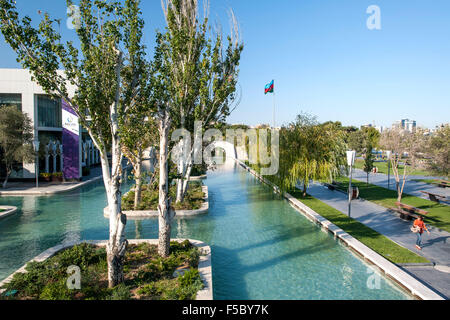 Bulvar Park on the seafront in Baku, the capital of Azerbaijan. - Stock Photo