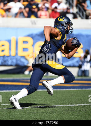 Berkley, CA. 31st Oct, 2015. Trevor Davis of the Cal Bears in action during a 27-21 loss to the USC Trojans at Kabam - Stock Photo