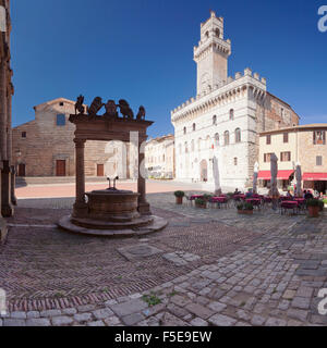 Piazza Grande Square and Palazzo Contuzzi, street cafe, Montepulciano, Siena Province, Tuscany, Italy, Europe - Stock Photo