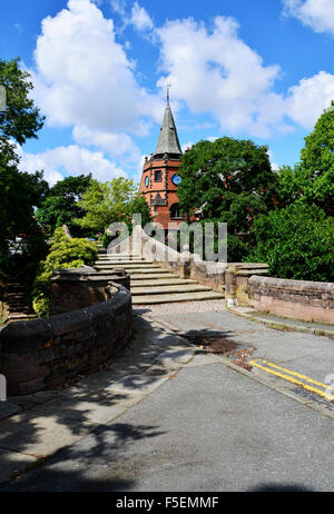 The iconic Port Sunlight Lyceum. The steps form the top of the Dell Bridge. - Stock Photo