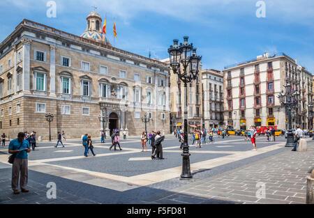 Spain, Catalonia, Barcelona, Ciutat Vella, Barri Gòtic, Palace of Generalitat of Catalonia at Plaça de Sant Jaume - Stock Photo