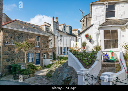 Traditional cottages at the old town of St.Ives, Cornwall, England, UK | Traditionelle Haeuser in der Altstadt von - Stock Photo