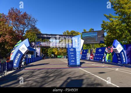 New York City, New York, USA. 30th Oct, 2015. General view Marathon : A general view of the finish line at Central - Stock Photo