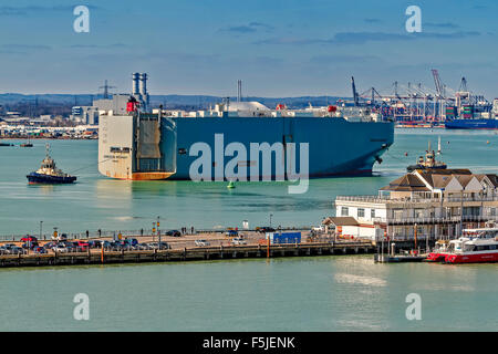 Vehicle carrier Under Tow Southampton UK - Stock Photo