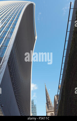 The Walkie Talkie building at 20 Fenchurch Street, London - Stock Photo