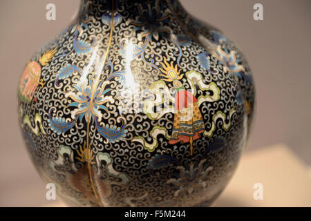 Details of a vase with traditional decoration, Cloisonné handicraft, Capital Museum, Beijing, China. - Stock Photo