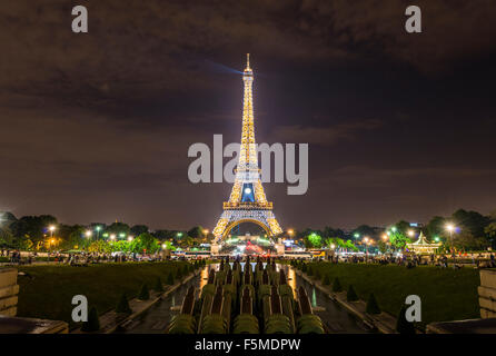 Illuminated Eiffel Tower at night, Trocadero, tour Eiffel, Paris, Ile-de-France, France - Stock Photo